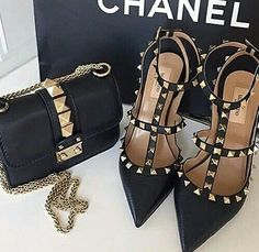 Expensive Chanel x Valentino Dr Shoes, Cute Shoes, Me Too Shoes, Shoes Heels, Heeled Boots, Shoe Boots, Shoe Bag, Fashion Bags, Fashion Shoes