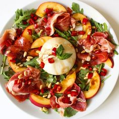 Rucolasalade met perzik, serranoham en burrata A Food, Good Food, Food And Drink, Yummy Food, Healthy Food Choices, Healthy Recipes, Recipes From Heaven, Food Festival, Perfect Food