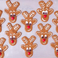 These reindeer gingerbread cookies are super simple to make with a gingerbread man cookie cutter. They're irresistibly cute! Reindeer Gingerbread Cookies, Gingerbread Man Decorations, Gingerbread Man Cookie Cutter, Decorating Gingerbread Cookies, Christmas Gingerbread Men, Toblerone, Christmas Candy, Christmas Baking, Xmas