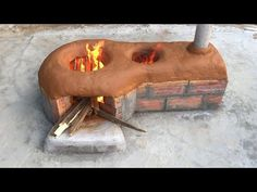 New way to make firewood stove - No smoke - Saving firewood - YouTube Outdoor Oven, Outdoor Cooking, Earth Bag Homes, Diy Rocket, Diy Pizza Oven, Four A Pizza, Fire Cooking, Happy Kitchen, Bright Kitchens