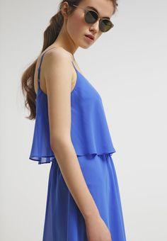 Das luftige Kleid ist ein super Begleiter für den nächsten Urlaub Richtung Sonne, Strand und Meer ♥ ab 24,95€