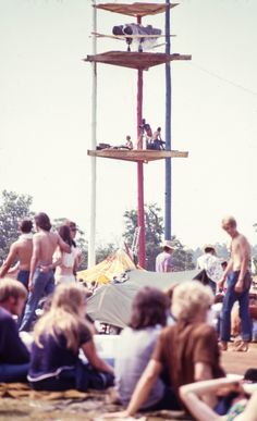 get a good view at the Festival  in 1970