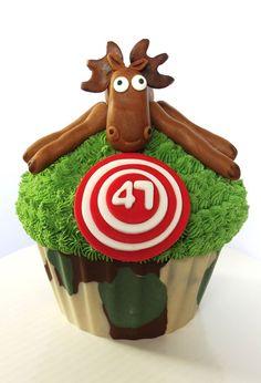 Camo Hunter giant cupcake.