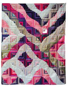 """Gebrochene Linien (Broken Lines)"" by Brigitte Morgenroth, a quilt from the special exhibit ""Log Cabin-Today!"" 2015 Houston IQF. Photo: Quilts Inc."