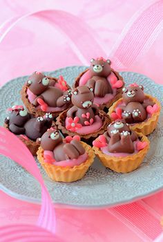 Small Desserts, Fancy Desserts, Cookie Flavors, Cookie Recipes, Cute Food, Yummy Food, Chocolate Garnishes, Mini Tortillas, Egg Tart