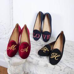 シャテルで特別な一日のためのシューズをカスタマイズ Wedding News, Chanel Ballet Flats, Loafers, Shoes, Fashion, Travel Shoes, Moda, Zapatos, Moccasins