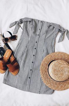 Lo último en ropa y moda para mujer 2019 – This is one of the classic Americana trendy summer outfits! Casual Outfits, Cute Outfits, Fashion Outfits, Womens Fashion, Ladies Fashion, Dress Casual, Fashion Ideas, Dress Fashion, Fashion Flatlay