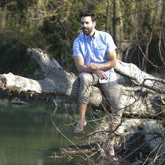 55€ - Chemise manches courtes bleu ciel en lin coton. Légère et douce, cette chemisette est à adopter pour cet été !