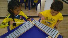 Desarrollo de la sensibilidad auditiva y artística a través de instrumentos de percusión y en especial del xilófono, ya que es a través de este donde el niño descubre la capacidad de crear sonidos y más adelante melodias.