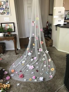 Custom Cathedral floral veil Customized Cathedral Length Flower Veil Fall wedding winter wedding ideas unique wedding ideas unique veil quirky wedding wedding dress ideas - March 02 2019 at Fall Wedding Dresses, Wedding Veils, Quirky Wedding Dress, Modest Wedding, Church Wedding, Hair Wedding, Boho Wedding, Flower Veil, Veil With Flowers