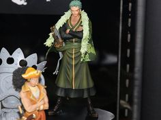 11.89$  Buy here - http://alisch.shopchina.info/go.php?t=32583585728 - 17cm One Piece Roronoa Zoro Anime Collectible Action Figures PVC Collection toys for christmas gift with Retail box 11.89$ #buyininternet