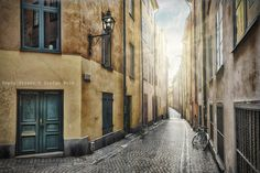 Empty street in Stockholm Old Town - Empty street, Stockholm Old Town, Prästgatan