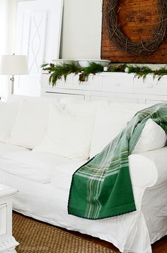 A simple farmhouse Christmas bringing the outdoors indoors. Decorating with simplicity in mind for the season and keeping the holidays stress-free. Christmas Living Rooms, Cozy Living Rooms, Green Christmas, Merry Christmas, Rustic Farmhouse, Farmhouse Style, Ikea Sofa, Funky Junk, Dandelion