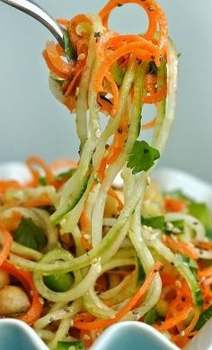 Sweet and Sour Thai Cucumber Pasta Salad. Spiralized Sweet and Sour Thai Cucumber Pasta Salad. Raw Food Recipes, Asian Recipes, Vegetarian Recipes, Cooking Recipes, Healthy Recipes, Thai Cooking, Paleo Meals, Fast Recipes, Vegetarian Cooking