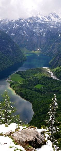 Travel Inspiration for Germany - Lake Königssee, Bavaria, Germany Berchtesgaden National Park, Places To Travel, Places To See, Wonderful Places, Beautiful Places, Beau Site, Germany Travel, Places Around The World, Belle Photo