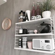 God morgen Marimekko, Home Projects, Home Kitchens, Floating Shelves, Shelving, New Homes, String System, Kitchen Inspiration, Furniture