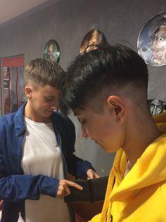 Two babes at the barbershop Adeline et Cyndel