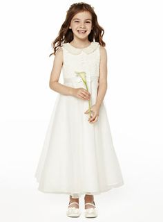 My flower girl dresses Young Bridesmaid Dresses, Brides And Bridesmaids, Wedding Dresses, Pretty Flower Girl Dresses, Flower Girls, Holy Communion Dresses, Lace Dress, White Dress, Wedding Styles