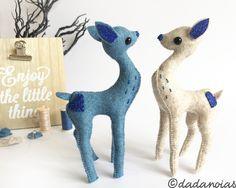 Ende Blue - https://www.etsy.com/es/listing/485046175/cervatillo-ende-blue #deer #bambie #handmadetoy #softsculpture #madewithlove #etsylove #topweddings #kawaii #woolfelt #ciervo #cervatillo #dadanoias #kawaiiblue