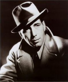 Named greatest male star in the history of American cinema by the American Film Institute in Humphrey Bogart is without a doubt one of the biggest sta Humphrey Bogart, Hollywood Glamour Party, Vintage Hollywood, Classic Hollywood, Hollywood Actor, Hollywood Stars, Hollywood Icons, We Are The World, In This World