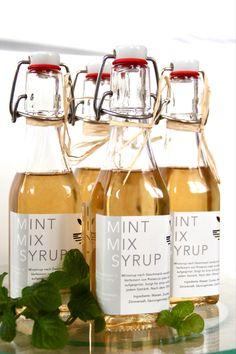 #nachhaltige #glasverpackung #lroots #minzsirup #aperitif #spritzig #hugo #trendy #sirup #süss #handgemacht Cocktails, Drinks, Hugo, Wine, Bottle, Food, Syrup, Organic Beauty, Packaging