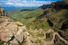 Sani Pass is a mountain pass located in the West of KwaZulu-Natal, South Africa on the road between Underberg, KwaZulu-Natal and Mokhotlong, Lesotho. Provinces Of South Africa, Visit South Africa, Dangerous Roads, Himalaya, Mountain Pass, Mountain Biking, Kwazulu Natal, Excursion, Am Meer