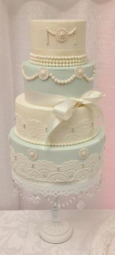 Lovely wedding cake  LovelyIdeas