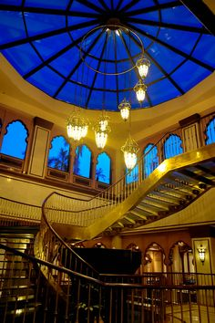 One of the treasures of the exquisite Avari Lahore Hotel is the grand glass staircase adding beauty beyond description! Hotel Offers, Mansions, House Styles, Glass, Beauty, Home Decor, Mansion Houses, Beleza, Homemade Home Decor
