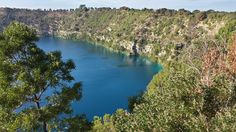 Blue Lake, Mt Gambier, South Australia. Apr 2014. Photo taken using a Samsung Galaxy S2. (c) Lucas Pardo.