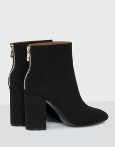 Evening high heel ankle boots - Boots and ankle boots - Shoes - Woman - PULL&BEAR Latvia Ankle Boots, High Heel Boots, Heeled Boots, Shoe Boots, Fashion Heels, Fashion Boots, Cowboy Boot Outfits, Cowboy Boots, Cute Shoes