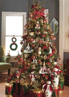 Cristhmas Tree Decorations Ideas : Oh Christmas Tree, oh Christmas Tree Beautiful Christmas Trees, Christmas Tree Themes, Christmas Villages, Noel Christmas, Holiday Tree, Christmas Traditions, Christmas Tree Decorations, White Christmas, Christmas Mantles