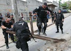Polícia Civil Estado do Rio de Janeiro - Delegacia de Combate às Drogas (Dcod) e conta com apoio da Delegacia de Repressão a Armas e Explosivos (Drae) e da Coordenadoria de Operações e Recursos Especiais (Core).  Operação apreende drogas e granadas na Favela do Jacarezinho - Brasil - geral - Estadão