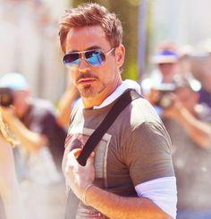 Robert Downey, Jr - possibly the coolest person on earth! Robert Downey Jr., Stan Lee, Robert Downing Jr, Iron Man Tony Stark, Super Secret, Downey Junior, Good Looking Men, Perfect Man, Gorgeous Men