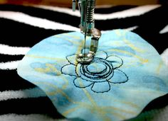 tutorial free motion machine sewing, flower, stitch, machine stitching, textile artist, quilting, quilt