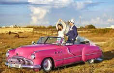 Vintage Stuff and Antique Designs Buick, Santorini, Vintage Cars, Engagement Photos, Toyota, Wedding Photos, This Is Us, American, Amazing