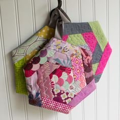 Log Cabin Hexi Potholders... a tutorial with partial seams — SewCanShe | Free Daily Sewing Tutorials