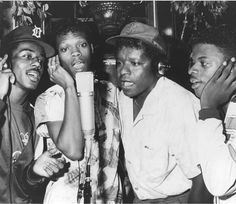 NE with Little Anthony from the Imperials singing Tears on My Pillow from Blue Moon! Little Anthony, Tamla Motown, Northern Soul, New Edition, Soul Music, Blue Moon, Celebrity Pictures, Che Guevara, Album
