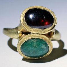 Roman gold finger ring, 2nd century.