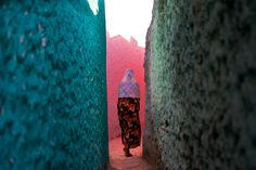 Trevor Cole: The colours of Harar. Art Print, Canvas on Stretcher, Glass Print Urban Photography, Amazing Photography, Street Photography, Fine Art Photo, Photo Art, Photography Contests, My Face Book, Beautiful Space, Beautiful Women
