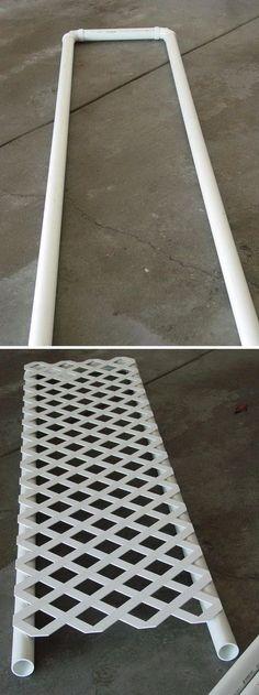 Con caño PVC. Y madera.pararante para trepadoras
