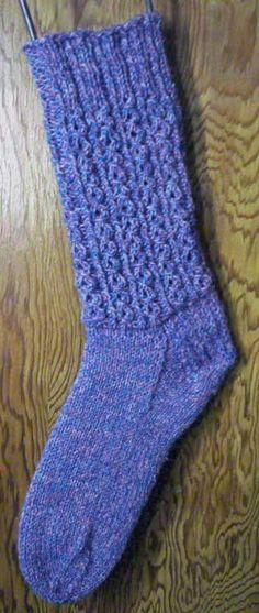 Mock Cable Socks Knitting Pattern #freeknitsocks