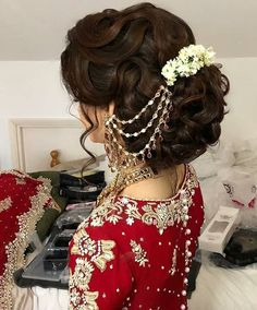 Super Wedding Hairstyles Asian Hair Beautiful Ideas – Famous Last Words Asian Bridal Hair, Asian Bridal Makeup, Bridal Hairdo, Asian Hair, Bridal Hair And Makeup, Wedding Updo, Indian Bride Hair, Indian Wedding Makeup, Asian Wedding Dress