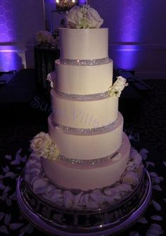 Gorgeous Diamond cake - perhaps make the tiers a little rounder on the edges :)