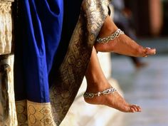 Indian Women: Get There By Foot The average woman in India walks six miles a day -- not by slogging on a treadmill but simply by getting to and from her tasks on foot. The results speak for themselves: While at least 63 percent of Americans are either Isadora Duncan, Jagua Henna, Elfa, Weights For Women, Wellness, Reduce Weight, Lose Weight, Weight Loss, How To Slim Down