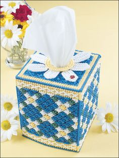 Daisy Chain Tissue Topper (free pattern)