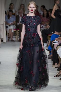 Oscar de la Renta Spring 2016 Ready-to-Wear Fashion Show