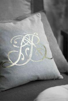Poduszka dekoracyjna z pięknym monogramem LBD- do nabycia u nas www.hamptons.pl. Polecamy!