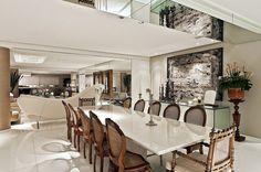 Apartamento com decoração neutra e peças de design lindo!