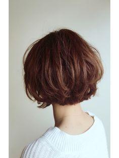 Pixie Haircut For Thick Hair, Short Wavy Hair, Short Hair Cuts For Women, Short Bob Hairstyles, Hairstyles Haircuts, Pretty Hairstyles, Short Hair Designs, Corte Y Color, Great Hair