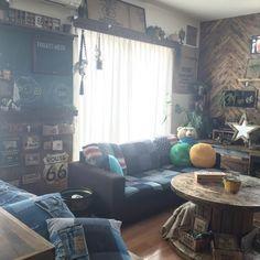 Mackeyさんの、Lounge,DIY,ディスプレイ,デニム,アメリカン,アメリカンビンテージ,リノベーション,男前,セルフリノベーション,男前インテリア,リノベ,デニムソファ,RC九州支部,しゃれとんしゃあ会,ケーブルドラム,デニムリメイク,インスタmackey2480についての部屋写真